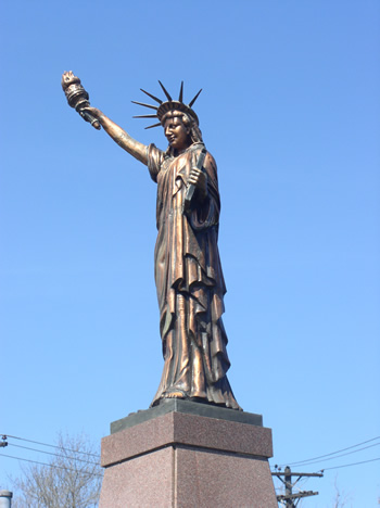 Statues Of Liberty Visit Lawrence County - Where is the statue of liberty located